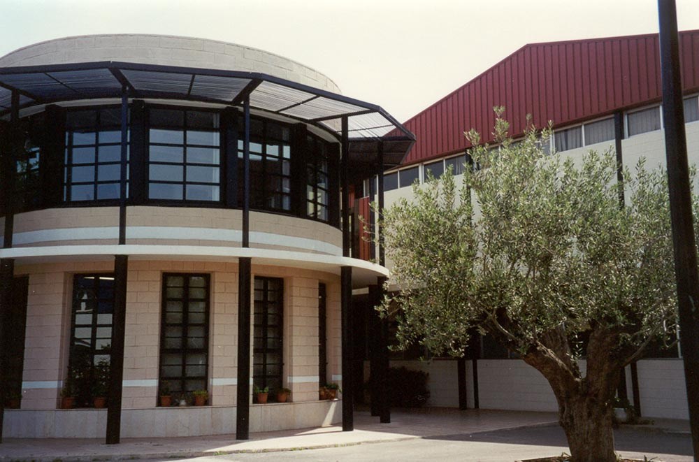 Edificio oficinas pl sticos mondrag n for Edificio oficinas valencia